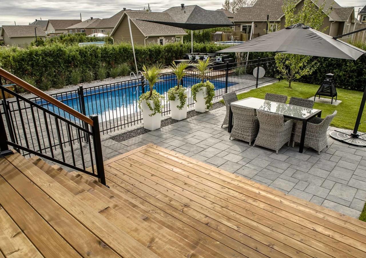 vivre relaxer dehors am nagement paysager brisson. Black Bedroom Furniture Sets. Home Design Ideas