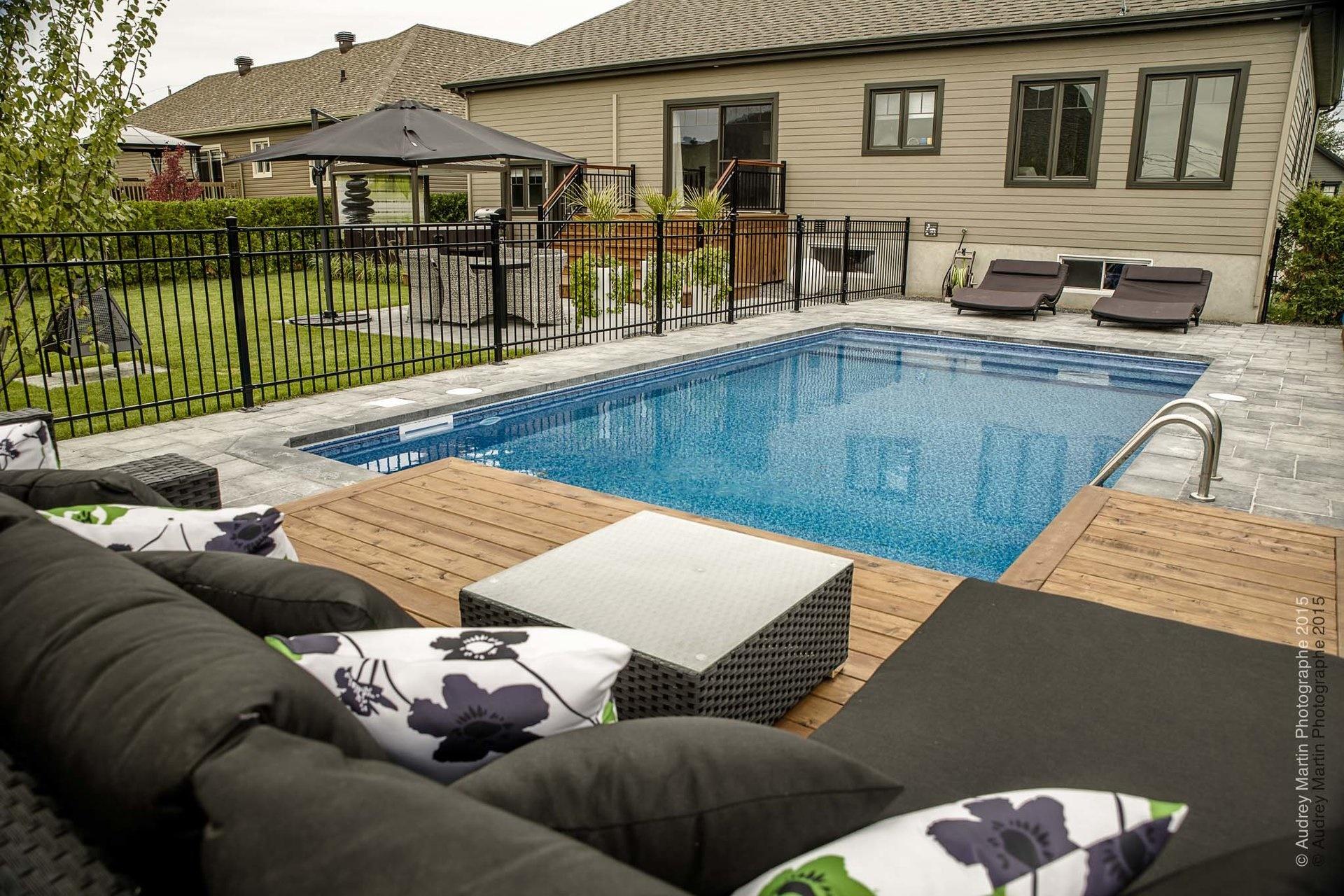 piscine, cèdre & béton - cour arrière - piscine & spa - réalisations